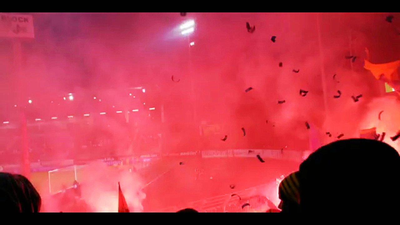Beim Spiel gegen Preußen Münster zogen die Braunschweig-Fans keinen Ruhm auf sich. Kurz nach dem Anpfiff zündeten sie Bengalos.