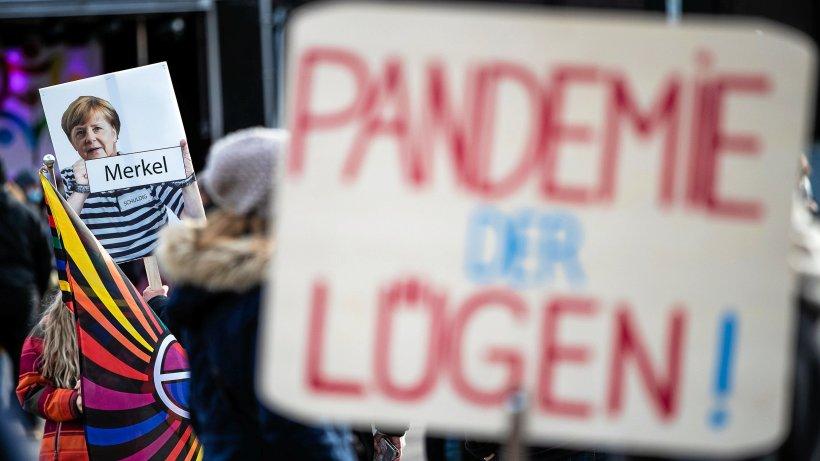 """Corona: RKI meldet 23.318 neue Fälle – Bremer """"Querdenker""""-Demo verboten"""