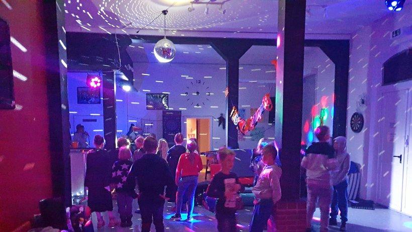Kinder feiern im Jugendzentrum Lengede eine gruselige Party - Peiner Nachrichten